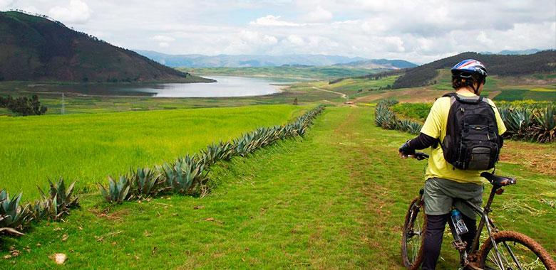 Biking Maras Moray - Maras y Moray Salineras en Bicicleta 1 Dia - Cusco